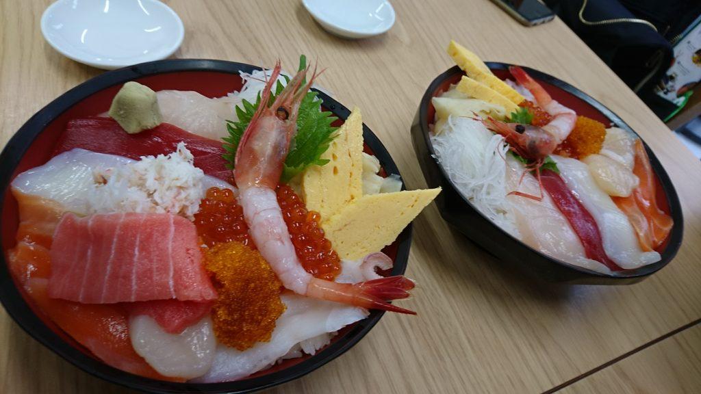 トロ・かにおまかせ丼、海鮮おまかせ丼(